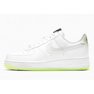 Nike Air Force 1 07 LX Ten...