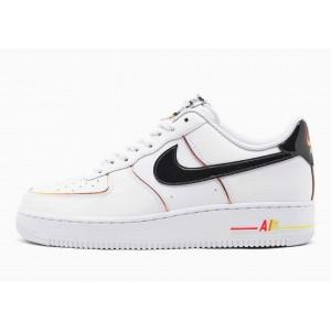 Nike Air Force 1 07 LV8...