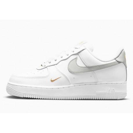 Nike Air Force 1 Bajo 07 Essential Blanco Plateado Claro Dorado para Hombre y Mujer