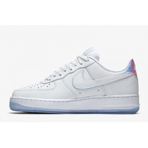 Nike Air Force 1 07 Premium...